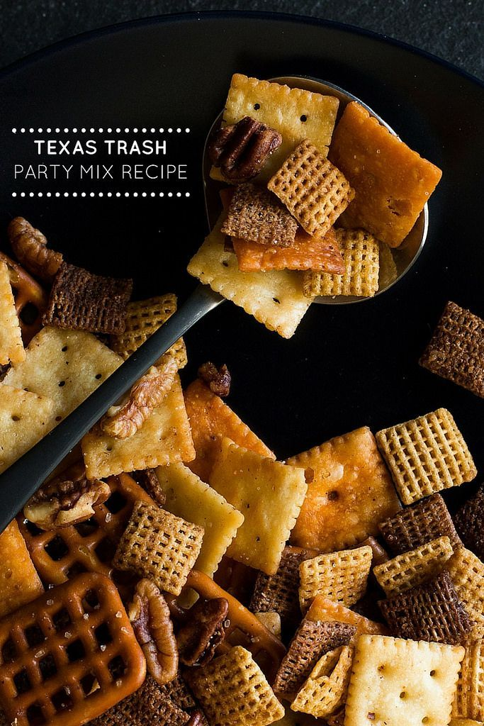 trash party mix Texas Trash is the perfect party mix for snacking on while watching football playoffs. This spicy mix of cereals, small crackers, and pecans couldn't be any easier thanks to the convenience of your slow cooker.Texas Trash is the perfect party mix for snacking on while watching football playoffs. This spicy mix of cereals, small cracke...