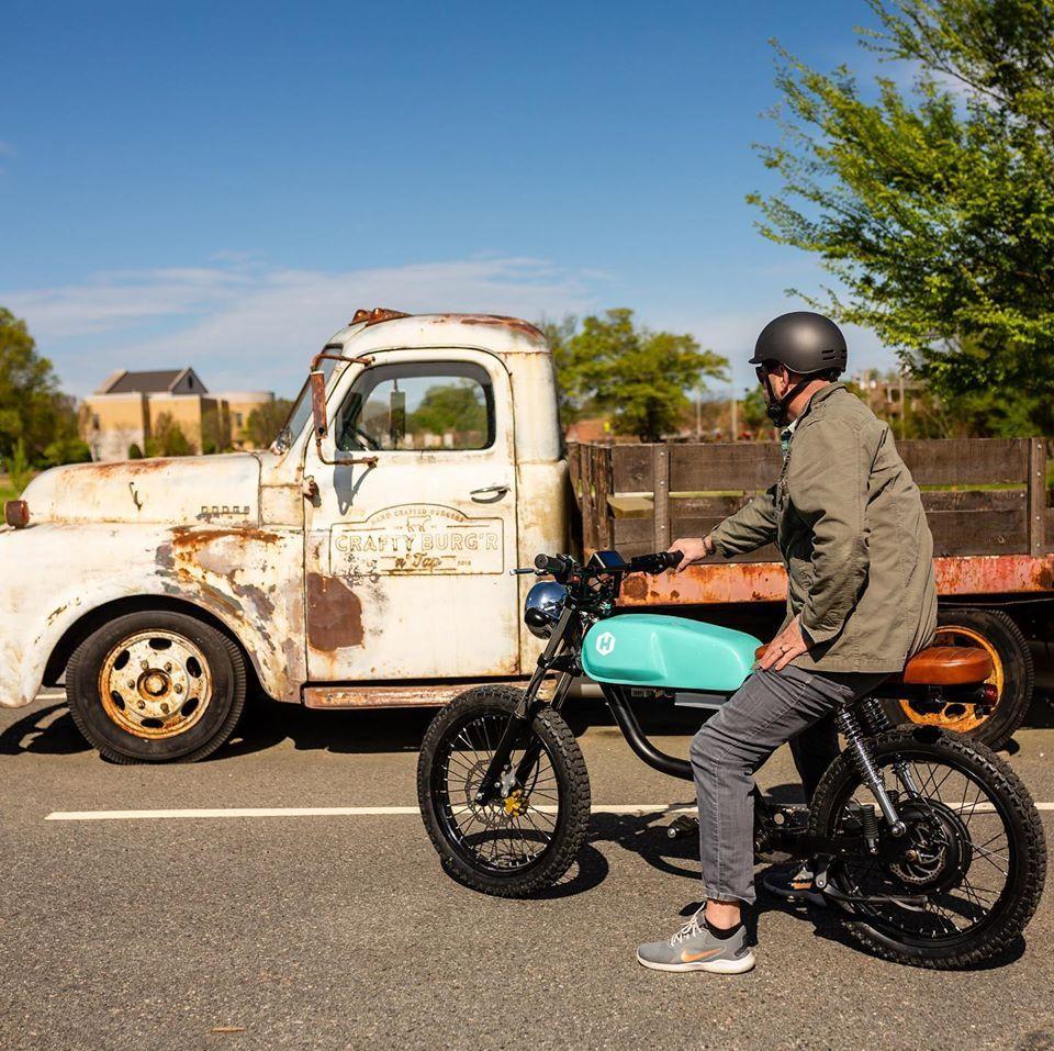 Karsinizda Retro Tasarimiyla Hayran Birakan Yeni Elektrikli Motosiklet 2020 Motosikletler Retro Tasarim