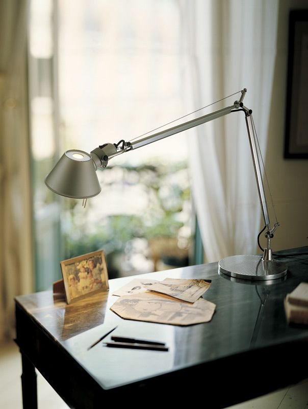 Tolomeo Classic Desk Lamp By Artemide Tol0000 Metal Desk Lamps Desk Lamp Classic Table Lamp