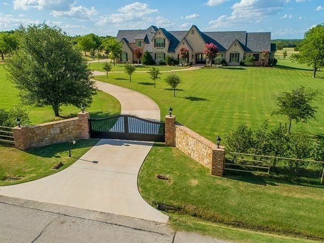Country Living On 9 Acres 1077 Harpole Road E Argyle Texas 8311 Square Feet 5 Bedrooms 6 Bathrooms 2900000 Homes