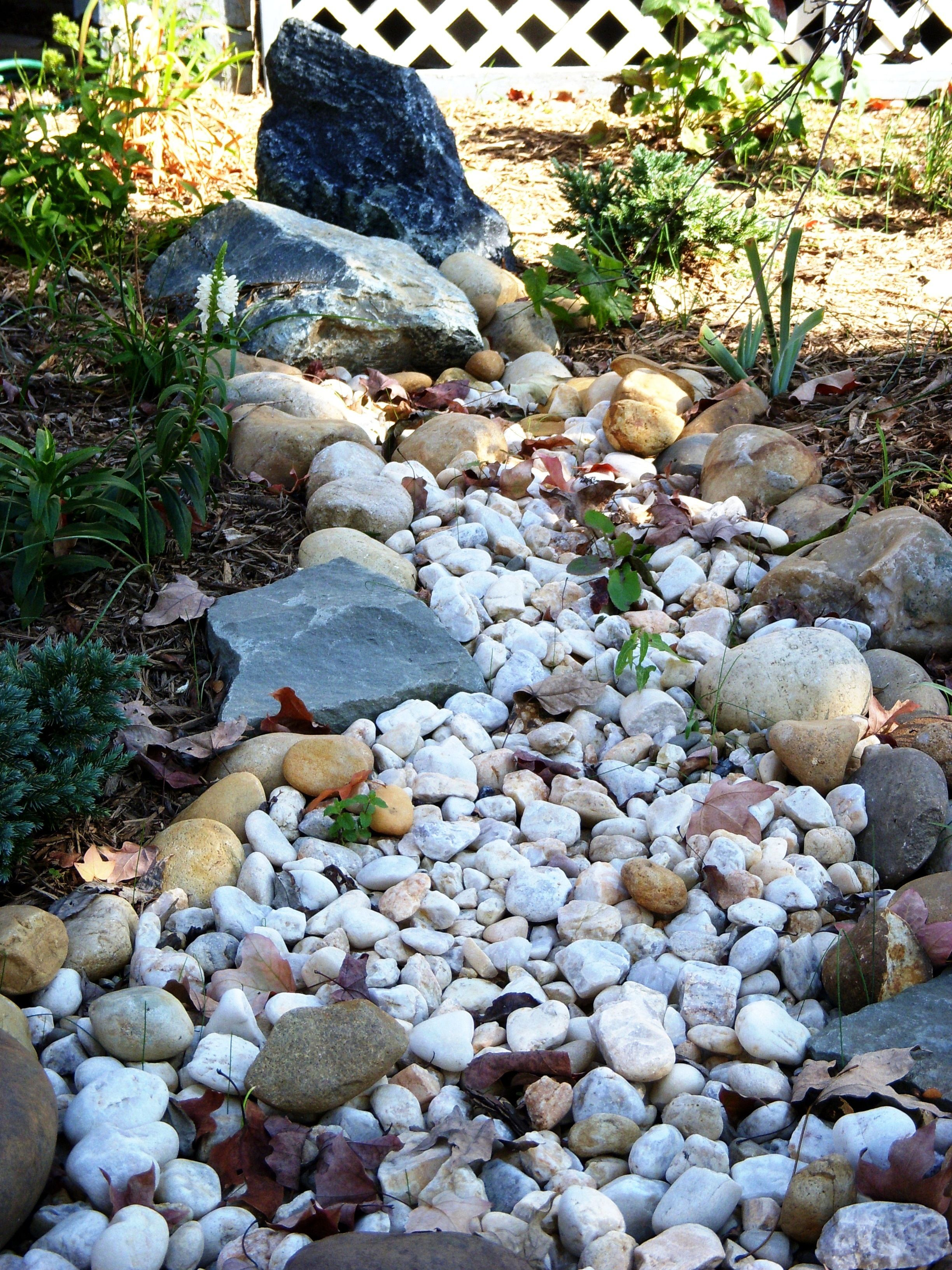 how to build a dry creek bed - Garden Design Dry River Bed