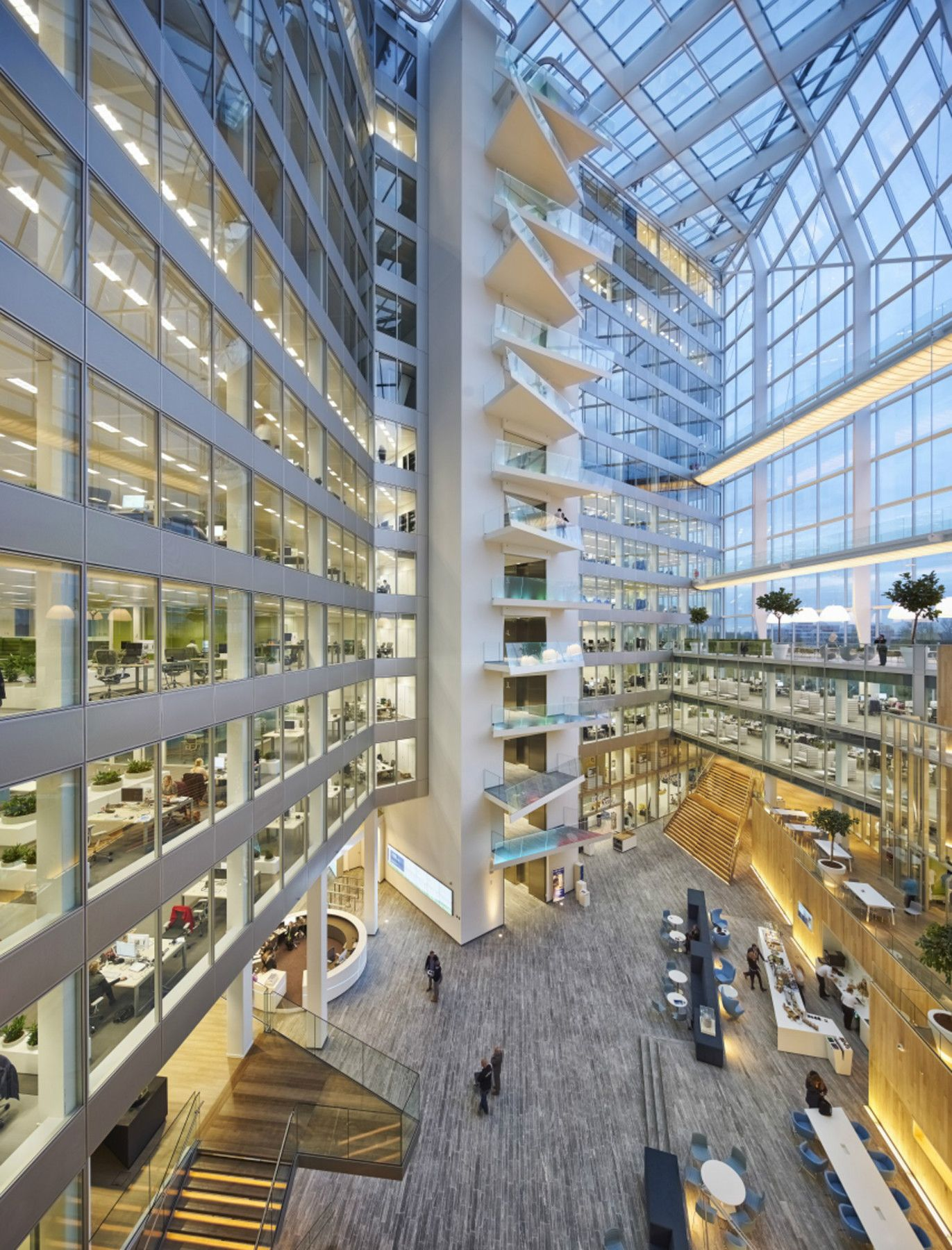 Situated in the center of Amsterdam's Zuidas business district, The Edge is an office building which opens itself up to the city with its 15-storey atrium.