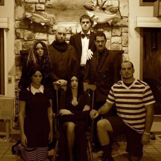 Costumi di gruppo per Carnevale , La Famiglia Addams