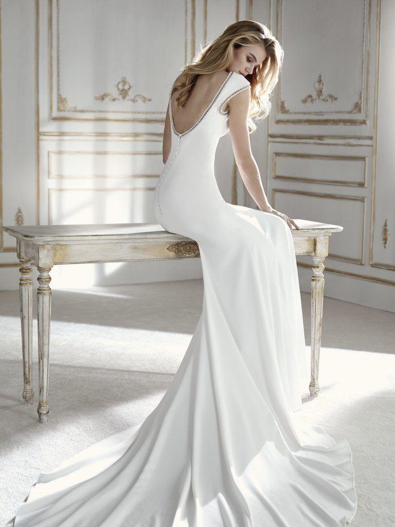 Boothals Trouwjurk.La Sposa Wedding Dress Trouwjurk Bruidsjurk Taft Tule