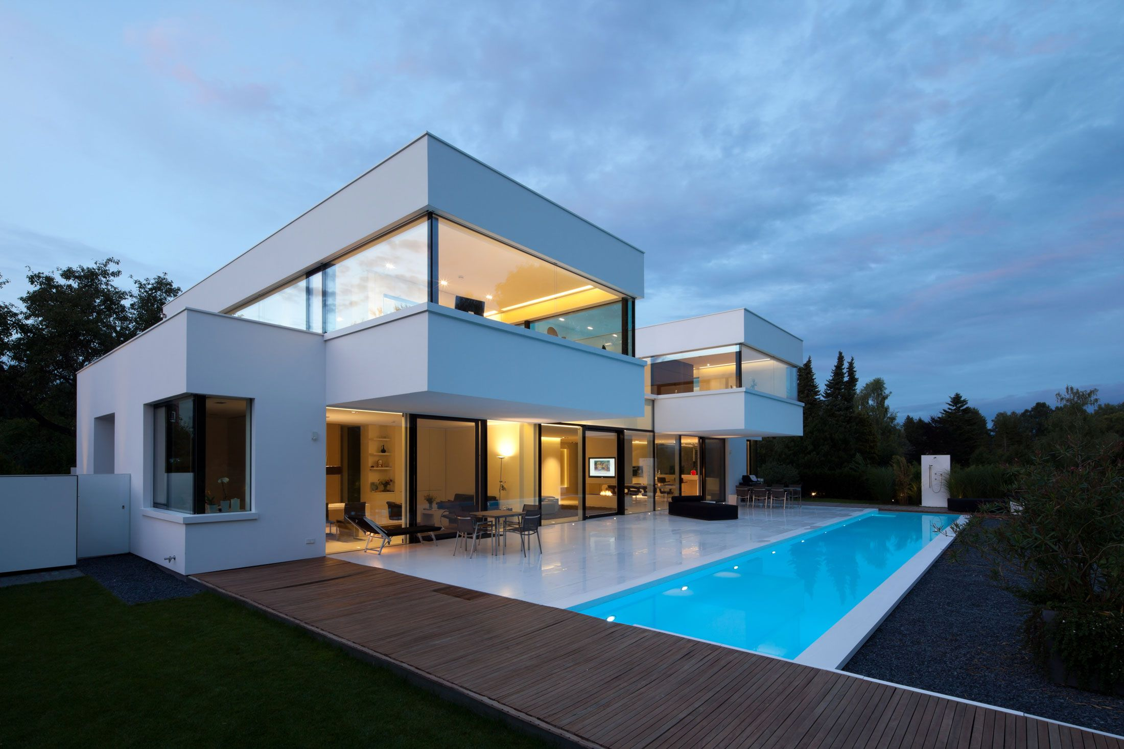 Best Images About Cantilevered Houses On Pinterest House - Architectural design homes