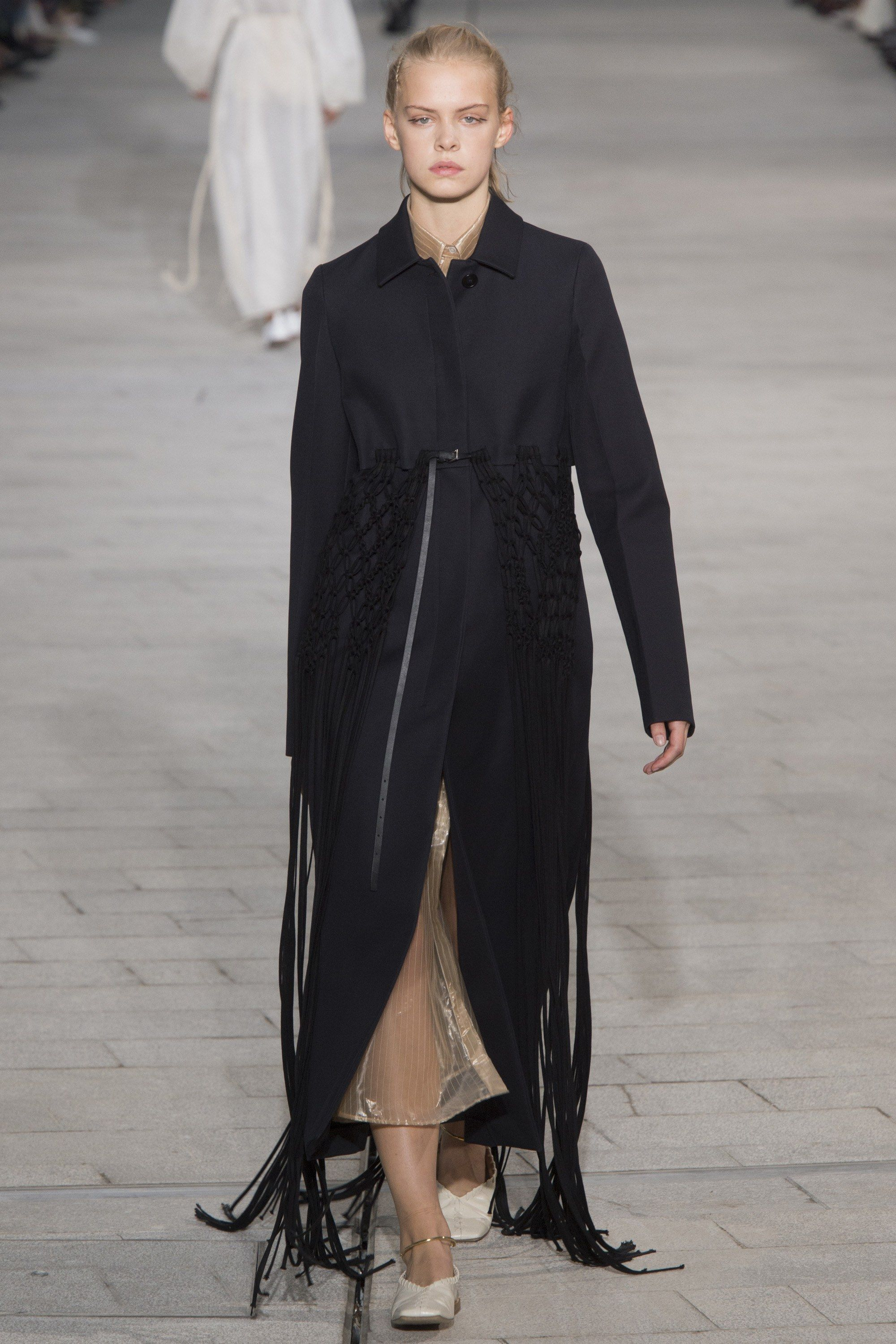 78c50ea62e3f See the complete Jil Sander Spring 2018 Ready-to-Wear collection.