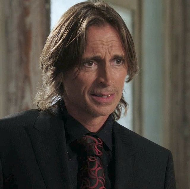"Tremotino, Mr. Gold, Coccodrillo, Rumple in ""C'era una volta""."