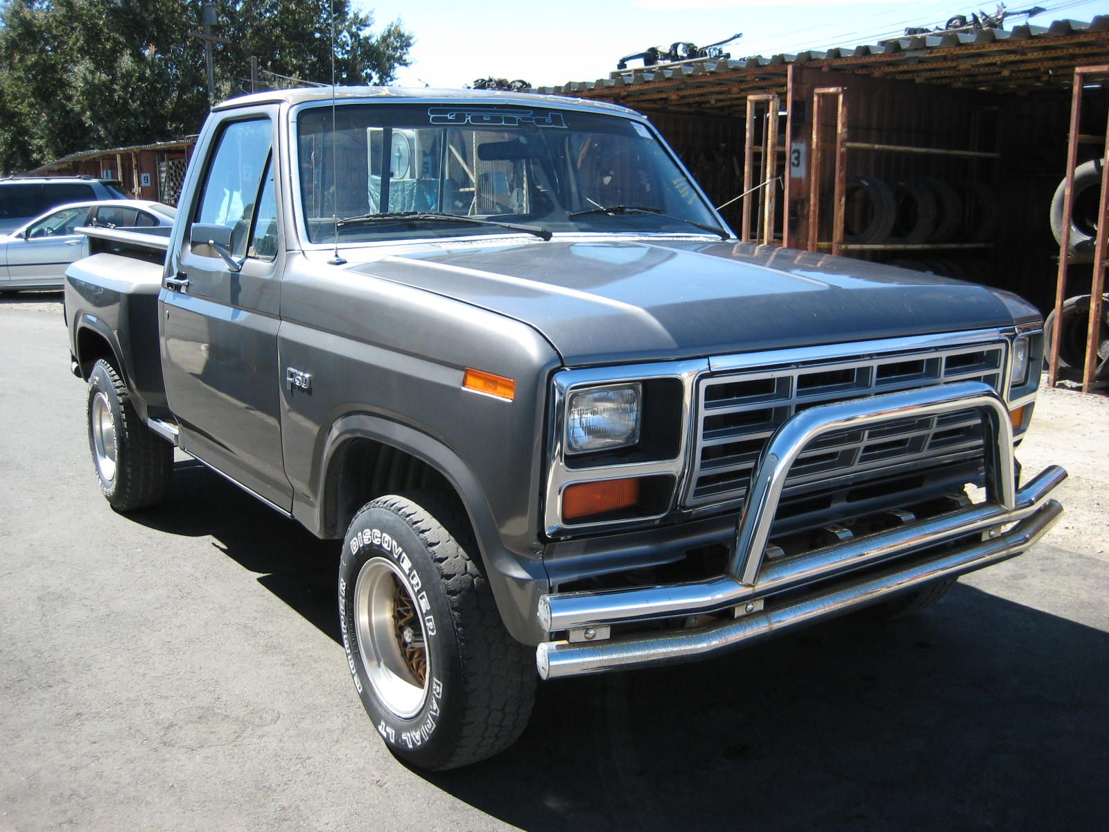 Ford Reviews : 1984 Ford F-150 Review