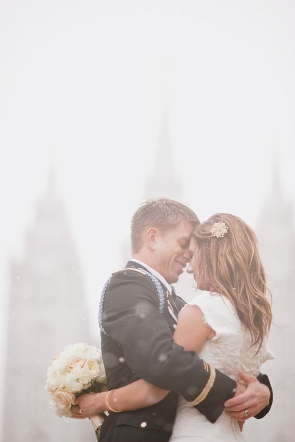 always wanter wedding pics in the snow!
