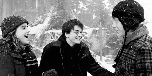 Laughing In The Snow Hogsmeade Weekend Harry Potter Filmes Harry