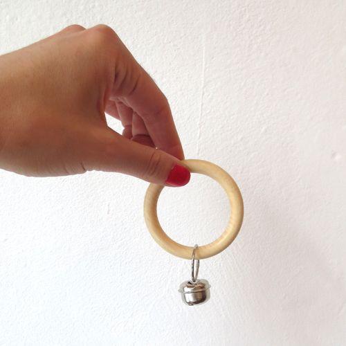 Hochet en bois www.pepinlalune.bigcartel.com