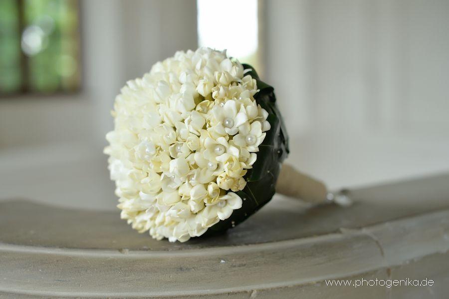 Brautstrauss in creme mit Perlen  Brautstrauss fr die