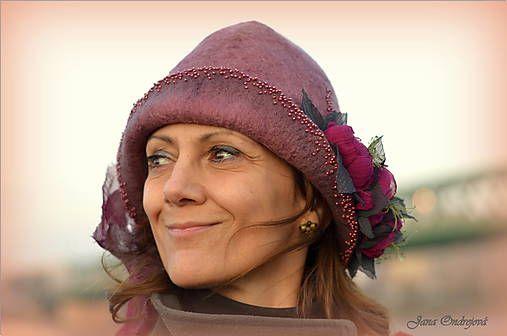 FeltroModa / Hodvábno-vlnený klobúk vo farbách lesných plodov