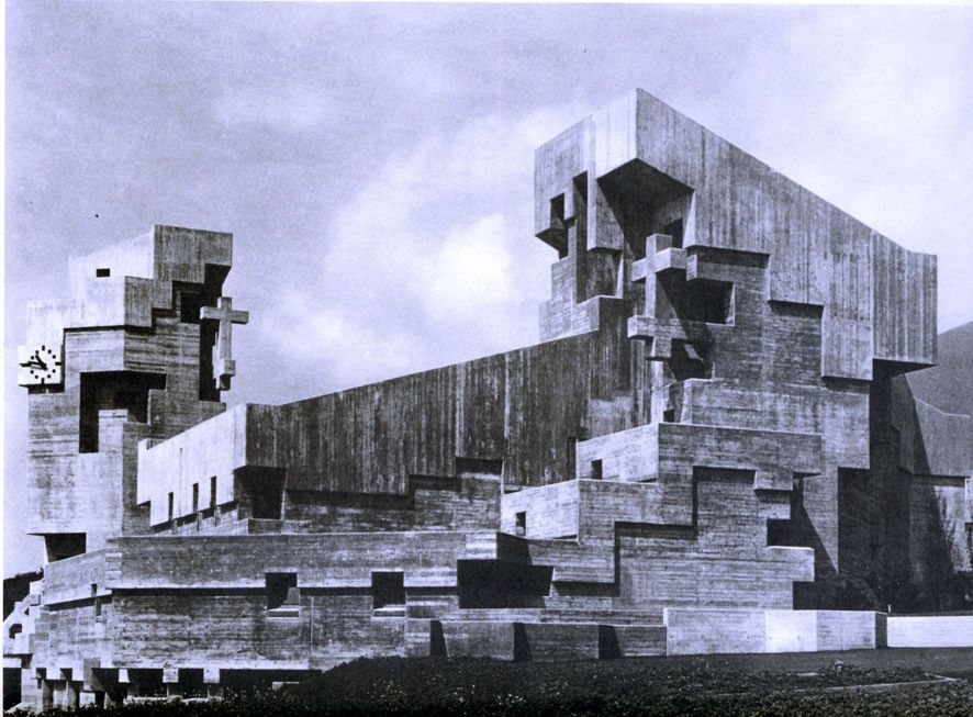 Basel born architect walter f rderer holy cross church for Architecture brutaliste