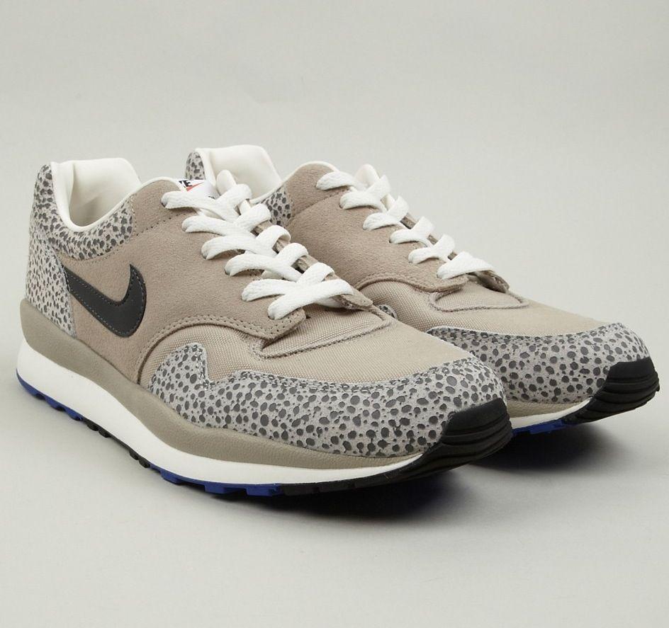 Nike Men's Air Safari VNTG Stone Sneakers