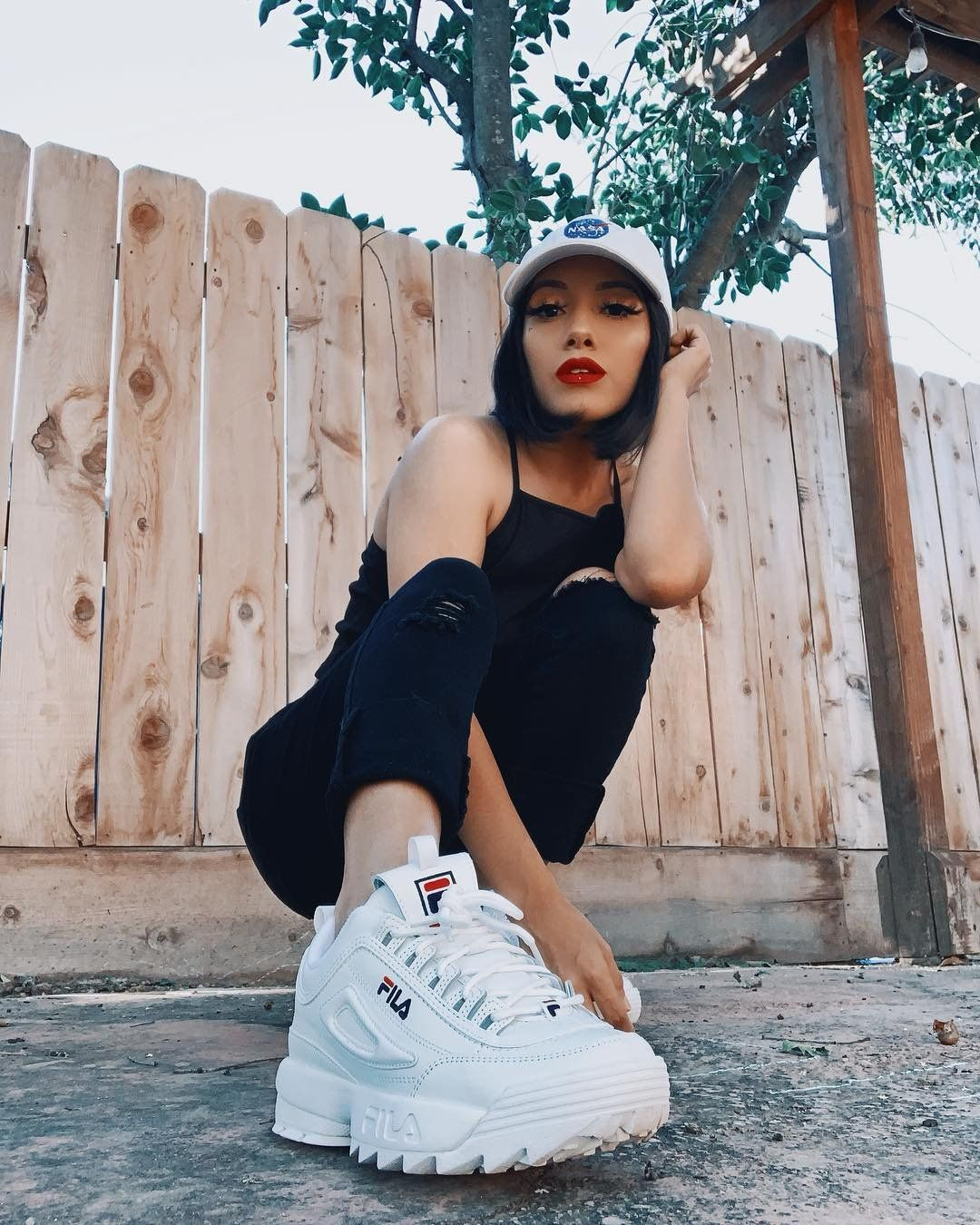 tumblr #fila #disruptor #girl #cute #outfit #black #white