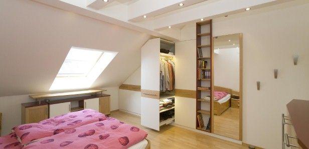 kleiderschrank in dachschr ge kleiderschrank spitz pinterest dachschr ge kleiderschr nke. Black Bedroom Furniture Sets. Home Design Ideas