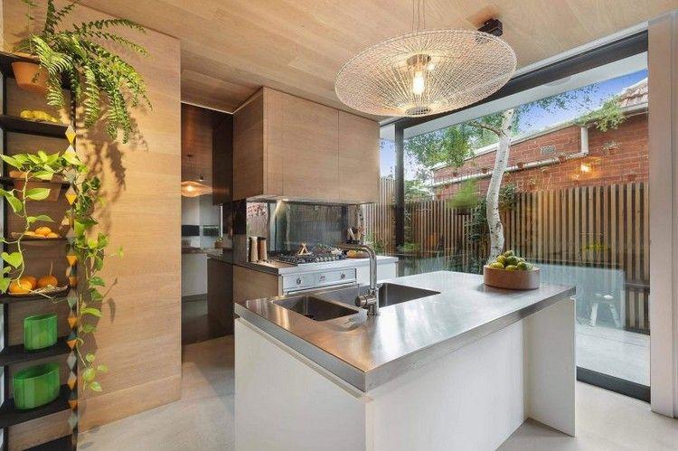 Kleine Küche mit Arbeitsplatten aus Edelstahl Wohnideen Küche