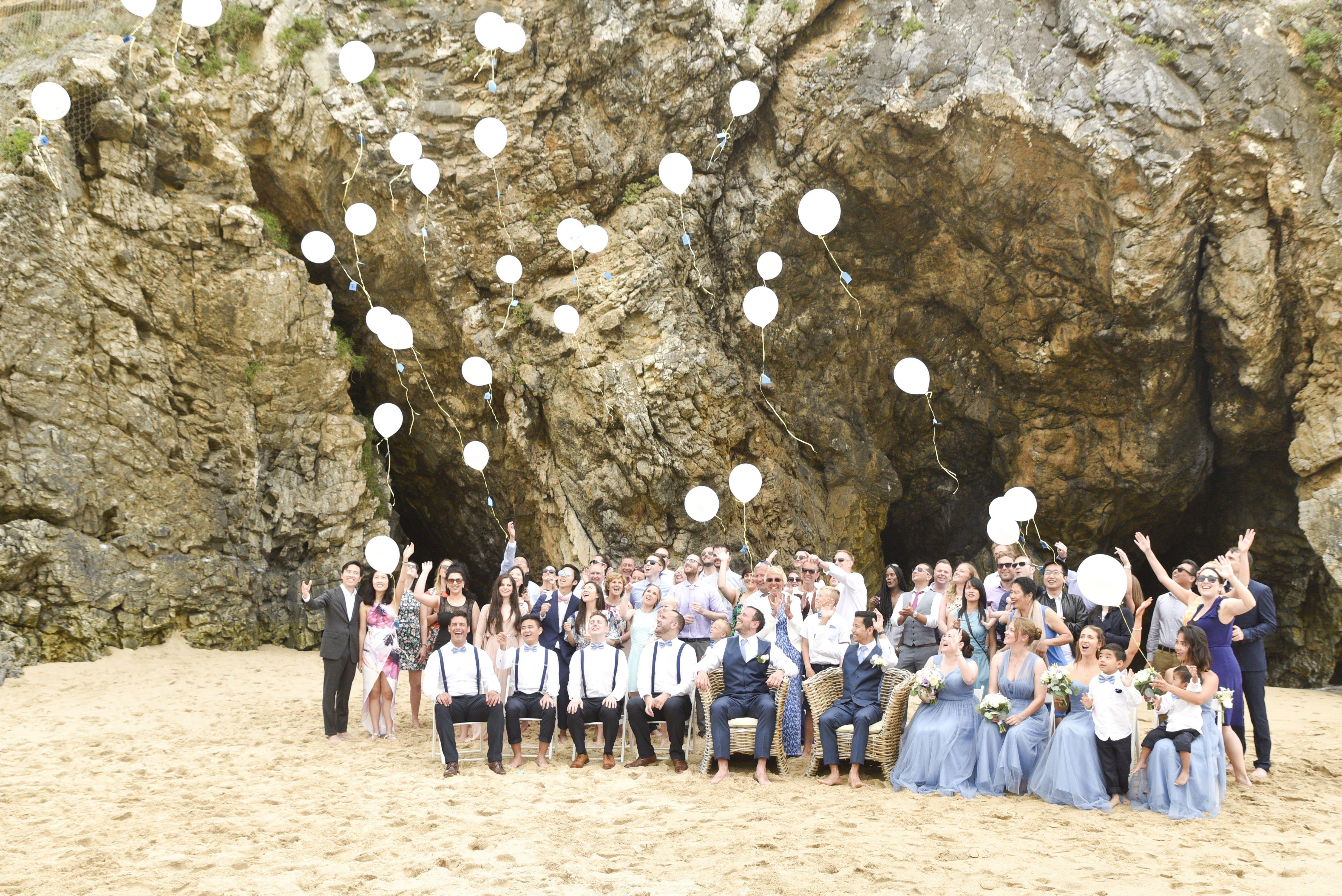 Wedding Balloons - @vweddingportuga #weddinginportugal #vintageweddinginportugal #vintagewedding #portugalwedding #weddingportugal #weddingsinportugal #myvintageweddinginportugal #rusticwedding #rusticweddinginportugal #thequinta #weddinginsintra #beachweddingportugal #portugalbeachwedding