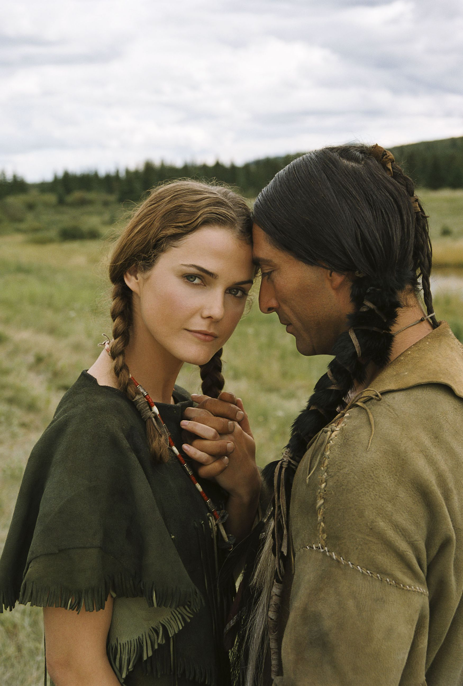 Keri Russell And Jay Tavare Into The West 2005 Native American Actors Native American Men Jay Tavare