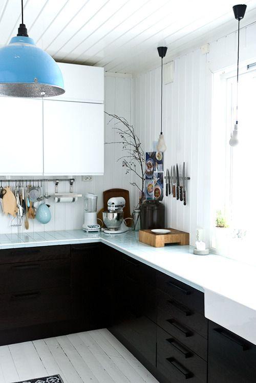 << black + white, modern + rustic >>