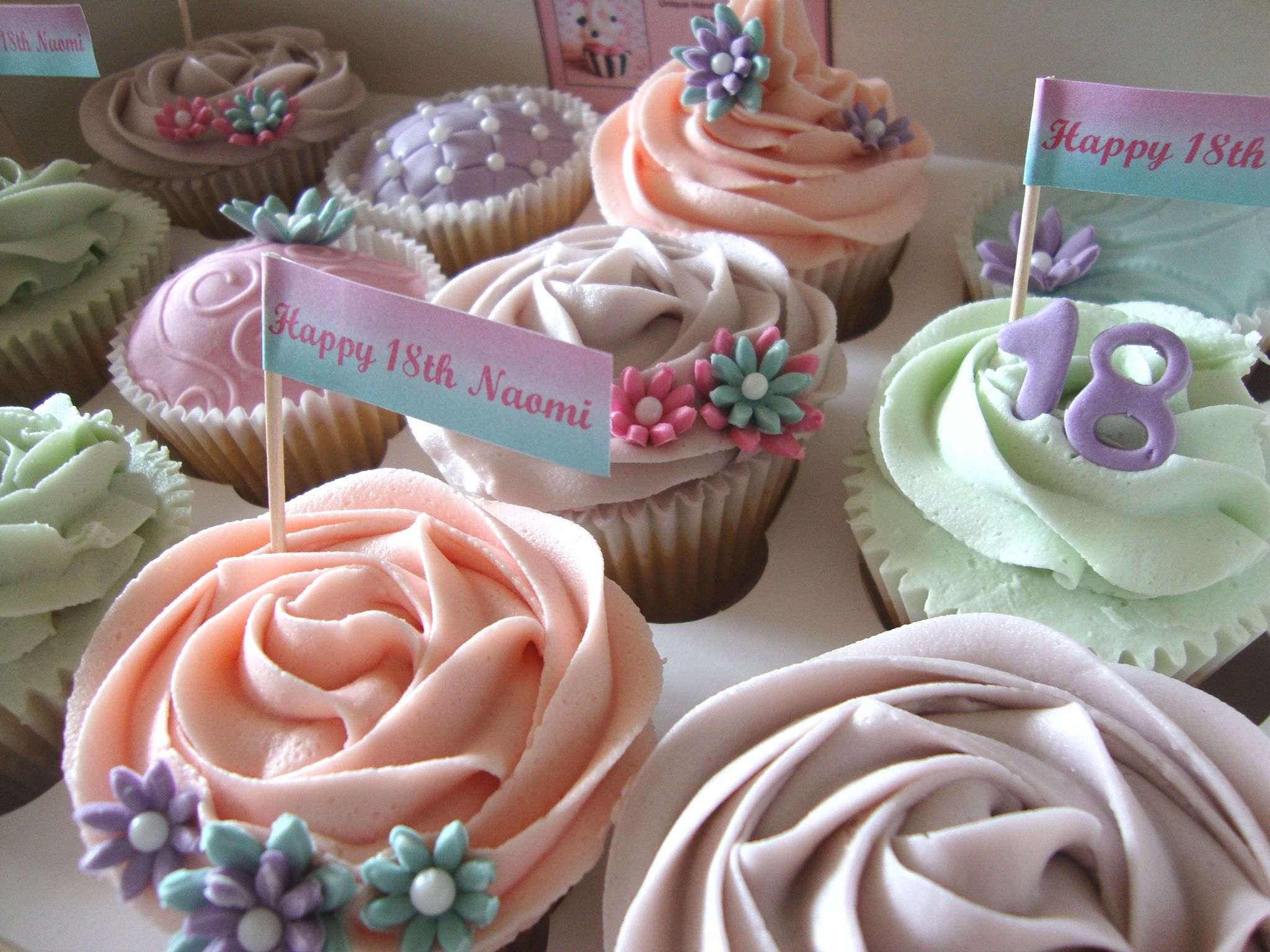 18th Birthday Cupcakes - www.aceofcupcakes.co.uk