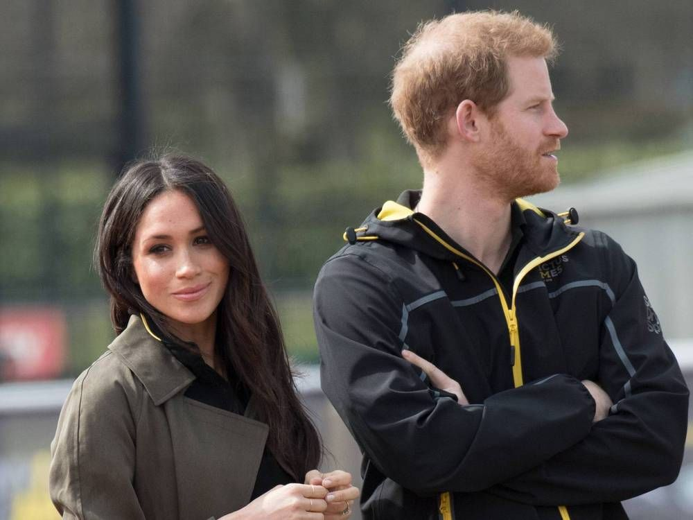 Die Bucher Zur Hochzeit Ist Meghan Berechnend Und Was Sagt Die Queen Trend Magazin Die Queen Meghan Markle Bund Furs Leben