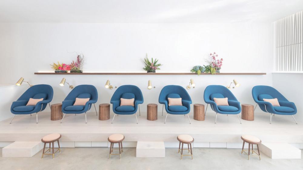 Pin By Angela Gutierrez On A Interior Design Nail Salon Design Salon Interior Design Nail Salon Interior