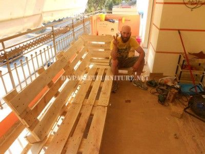 Sofa for terrace made with pallets 2