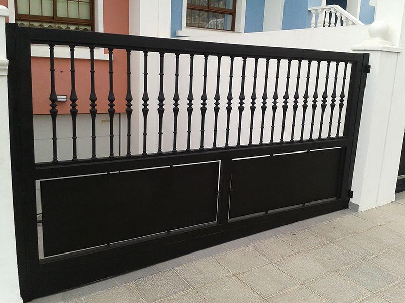 Puerta de garaje batiente portones en 2019 Portones de garaje
