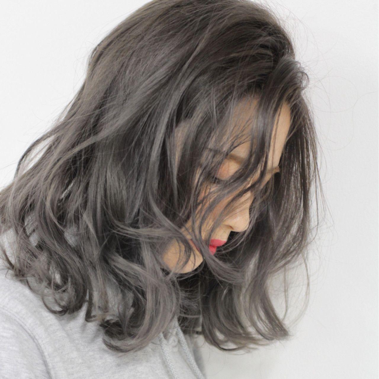 セミロンググラデーションの色っぽさに惹かれる 髪 色 ヘア