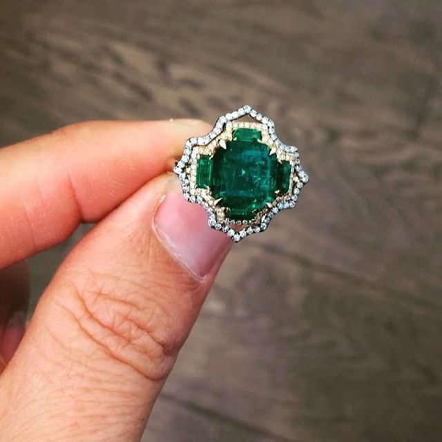 IVY New York Colombian Emerald in IVY diamonds and gold ring