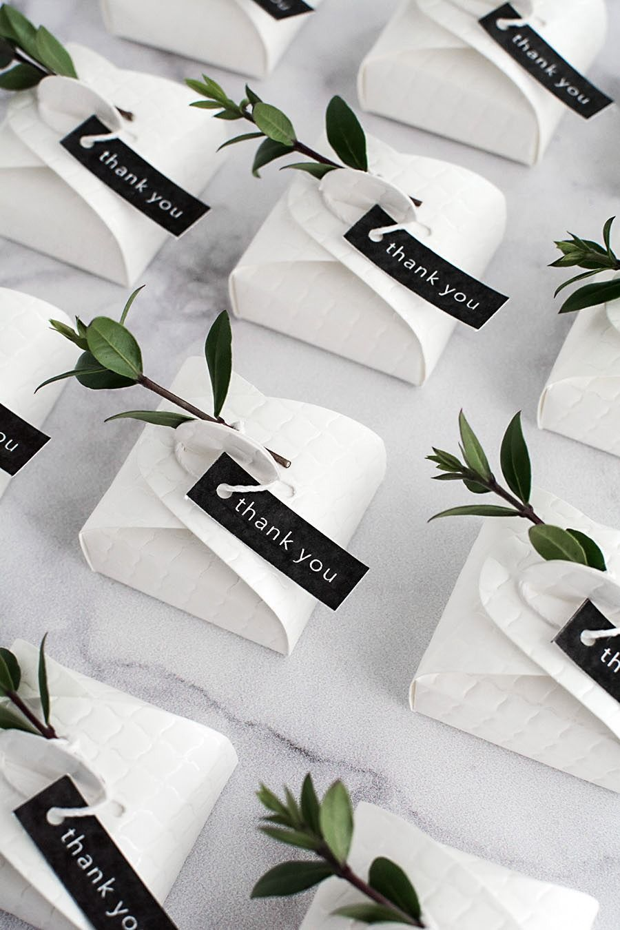 3 Simple and Modern DIY Wedding Favors | Black & White Wedding Ideas ...