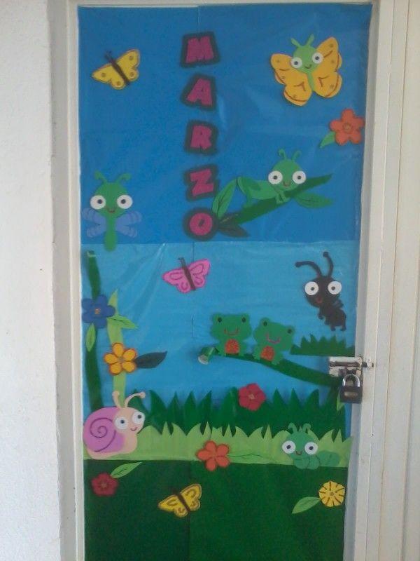 Decoraci n de puerta marzo ambientaci n escuela mes de for Decoracion de puertas de salones