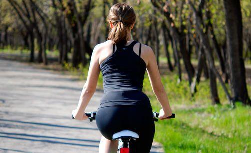 Pyöräilyllä voi olla yllättäviä vaikutuksia naisten seksuaaliterveyteen.