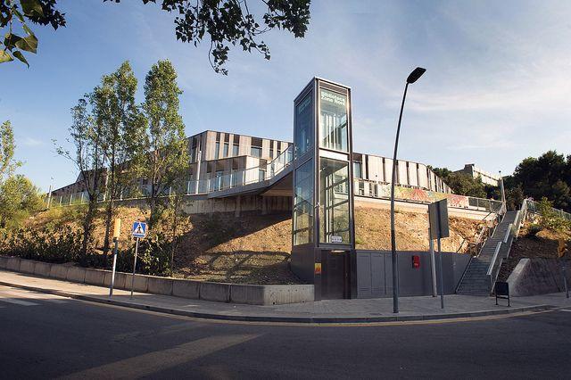 Biblioteca Zona Nord (Nou Barris, Barcelona)| Flickr: Intercambio de fotos