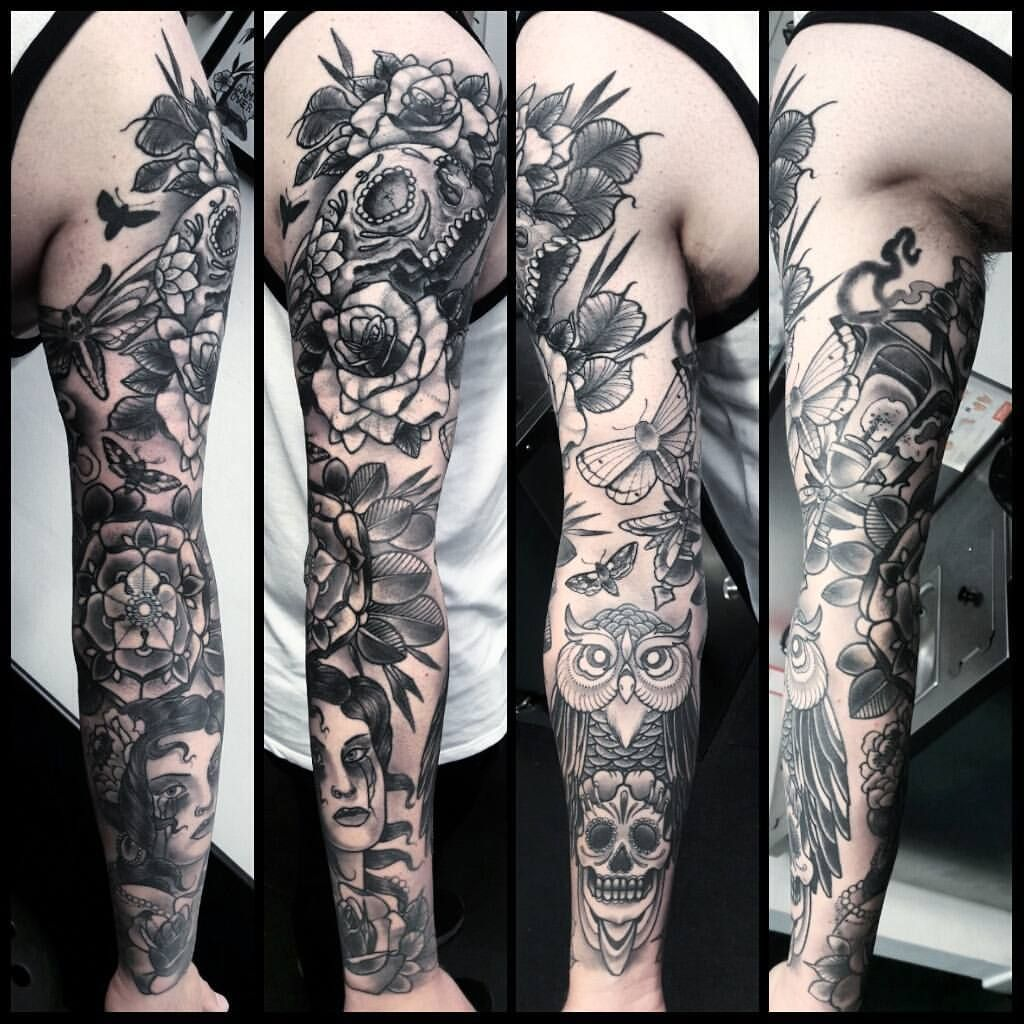 Half Wolf Tattoo Tatoueur A Montpellier Le Meilleur Du Tatouage Tatouage Tatoueur Tatouage Geometrique