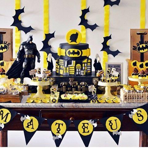 "52 Me gusta, 6 comentarios - Por Ali Fidalgo 🎀 (@encantosdefestas) en Instagram: ""Festa Batman por @festejarubt || #festabatman #festademenino #festamenino #festadeaniversario…"""