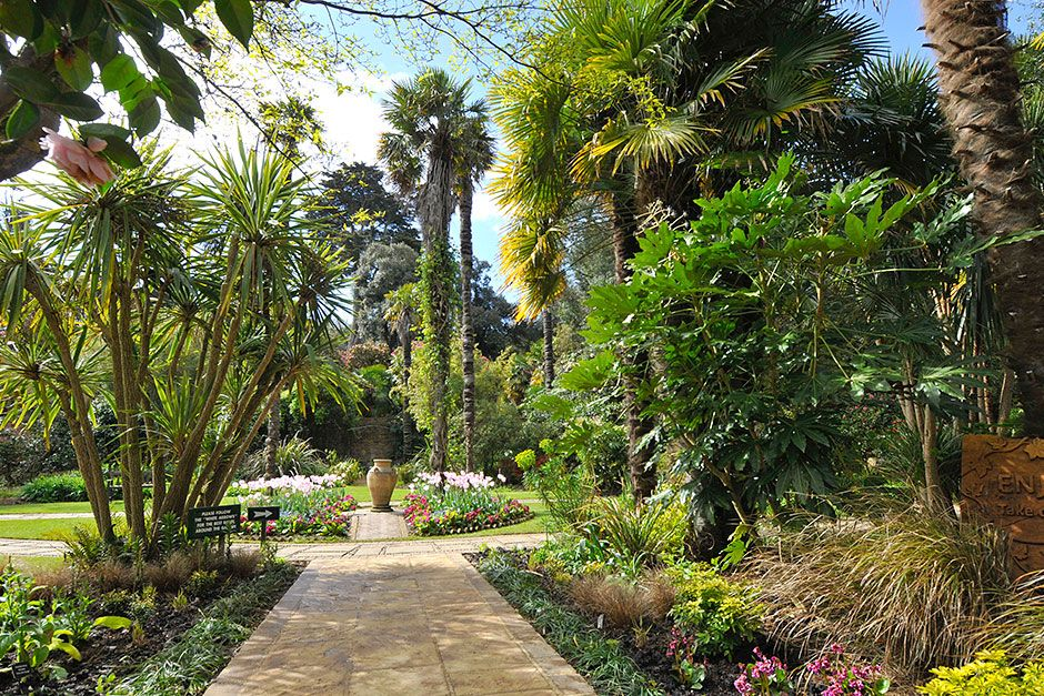 Beautiful open gardens to visit in the UK | Public gardens ...