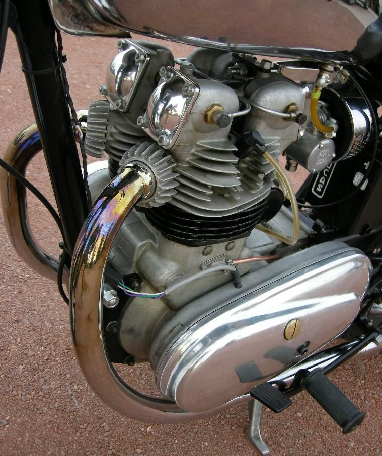 Dual Exhaust Single Cylinder Enfield Royal Enfield