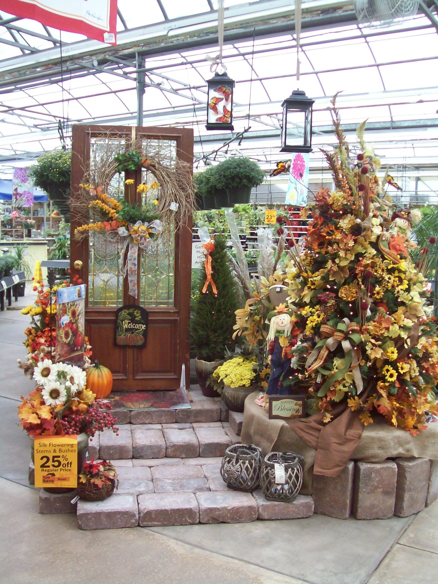 Garden Centre: Create A Fall Holiday Tree For Your Front Entrance Or