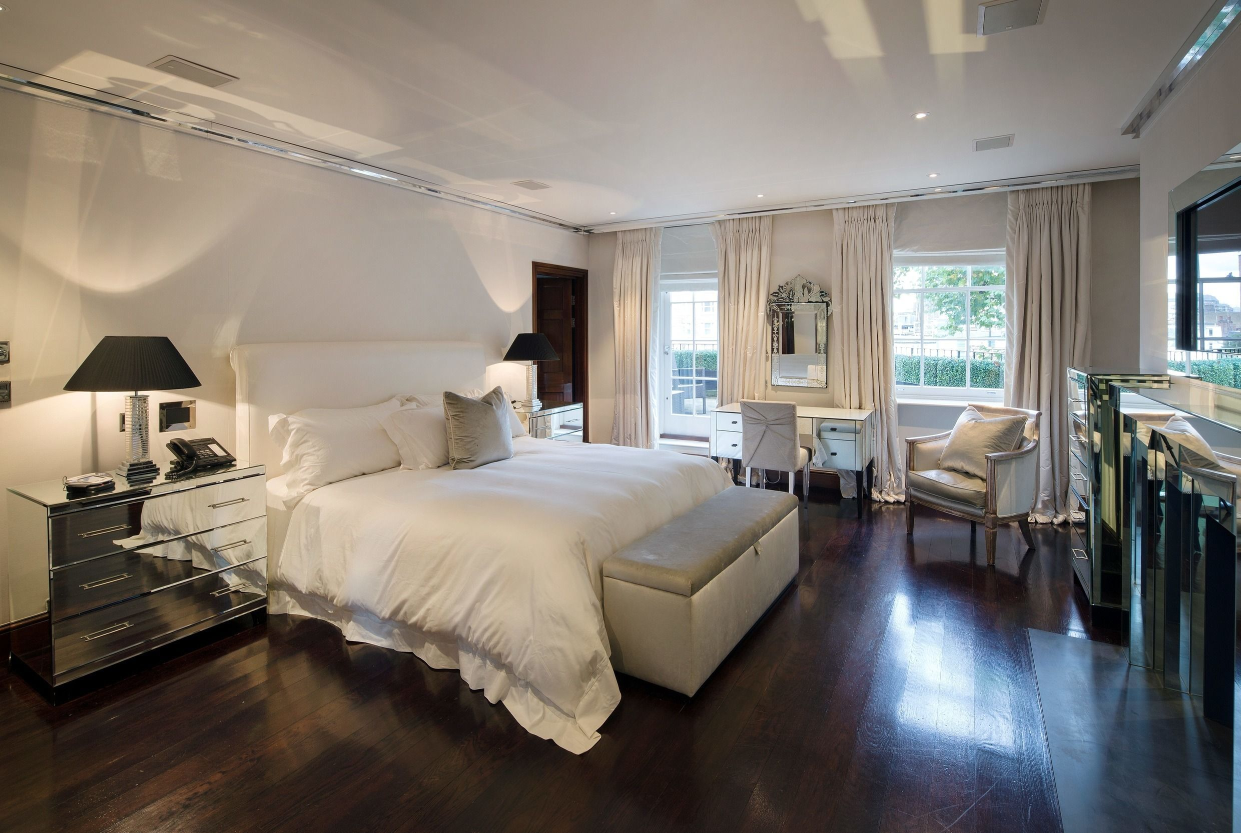 Bedrooms. breathtaking decor and placement   Bedroom Decor   Pinterest
