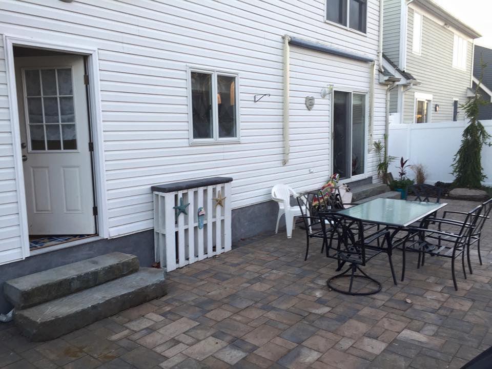 Beautiful backyard, paver patio.
