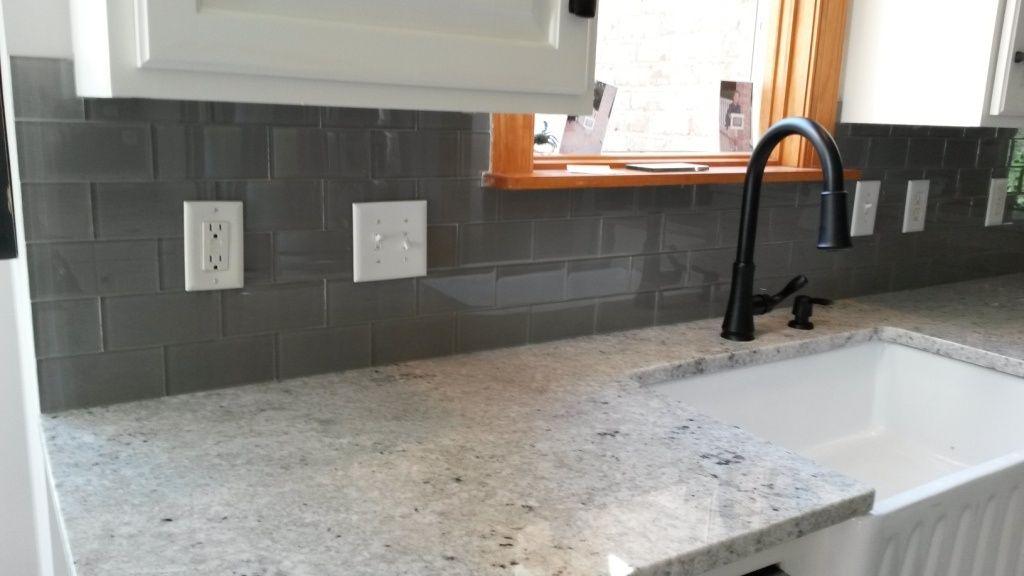 Colonial White Granite With Backsplash Google Search White Granite Countertops Grey Granite Countertops Granite Countertops Kitchen