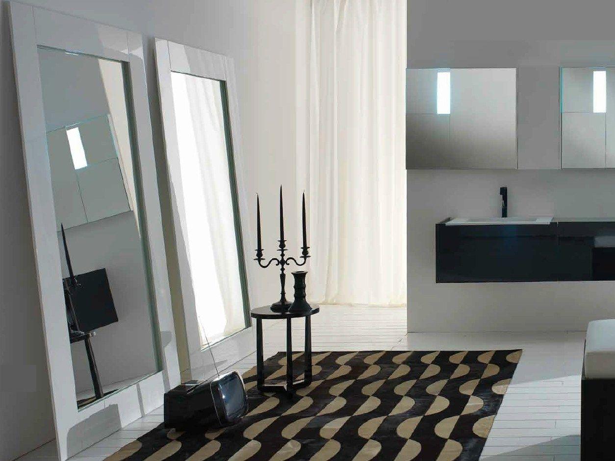 Risultati immagini per specchio da terra con cornice