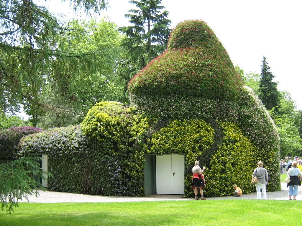 how about this for a garden shed where is it ha ha around