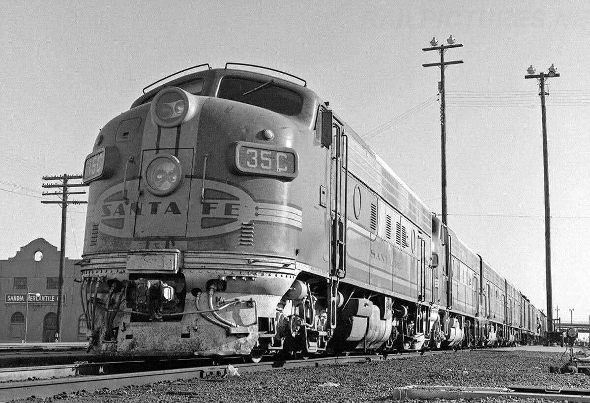 Pin By The Monitor On History Train Train Depot Santa Fe