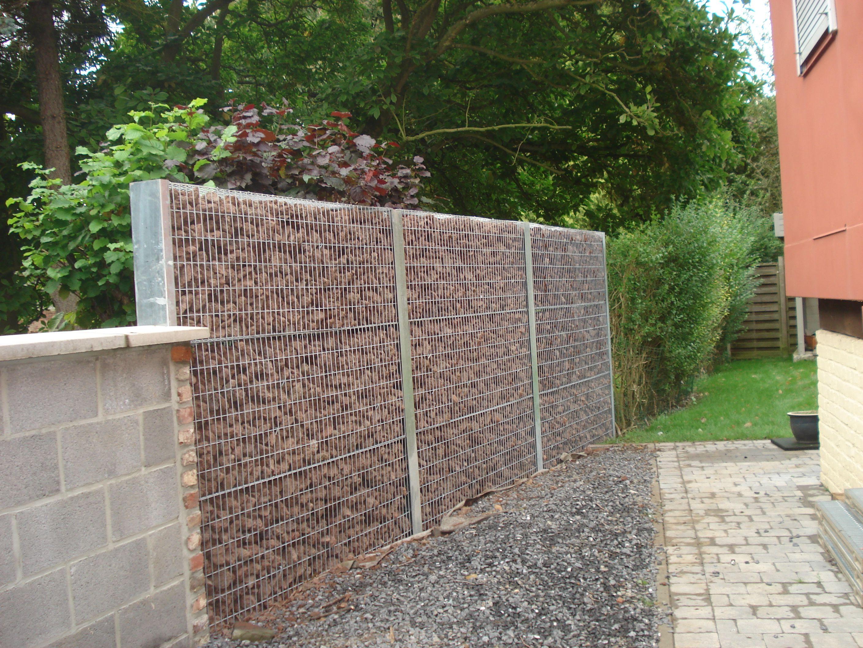 palissade en gabion pierre de lave palissade palissade bois palissade cloture jardin. Black Bedroom Furniture Sets. Home Design Ideas