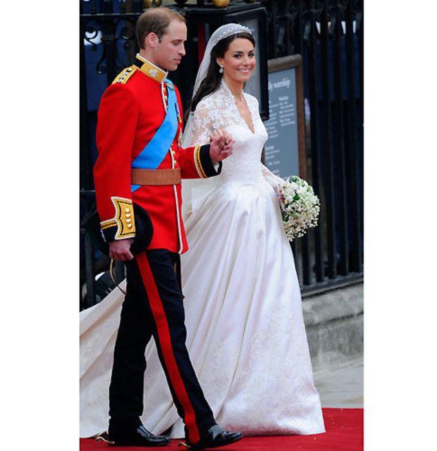 Der Hochzeitstag Kate Middleton Hochzeit Konigliche Hochzeitskleider Hochzeit