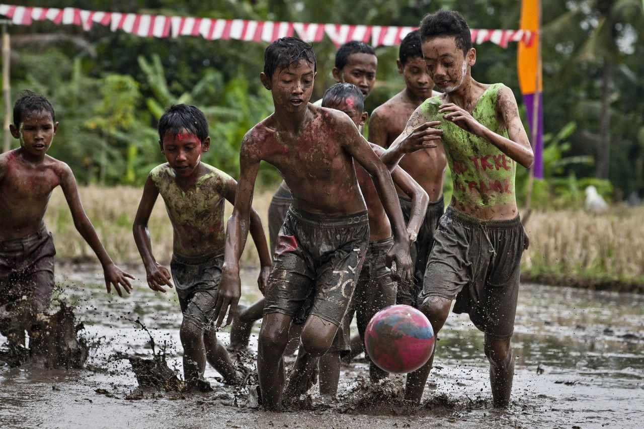 Tips And Tricks To Play A Great Game Of Football